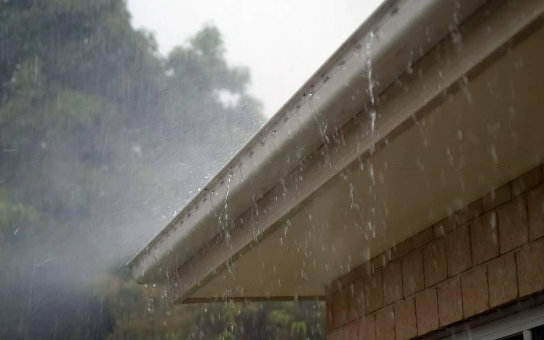 Jak naprawić nieszczelny dach?