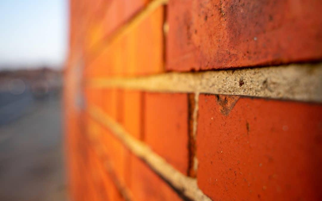 Jak osuszyć mury, aby pozbyć się wilgoci w domu?
