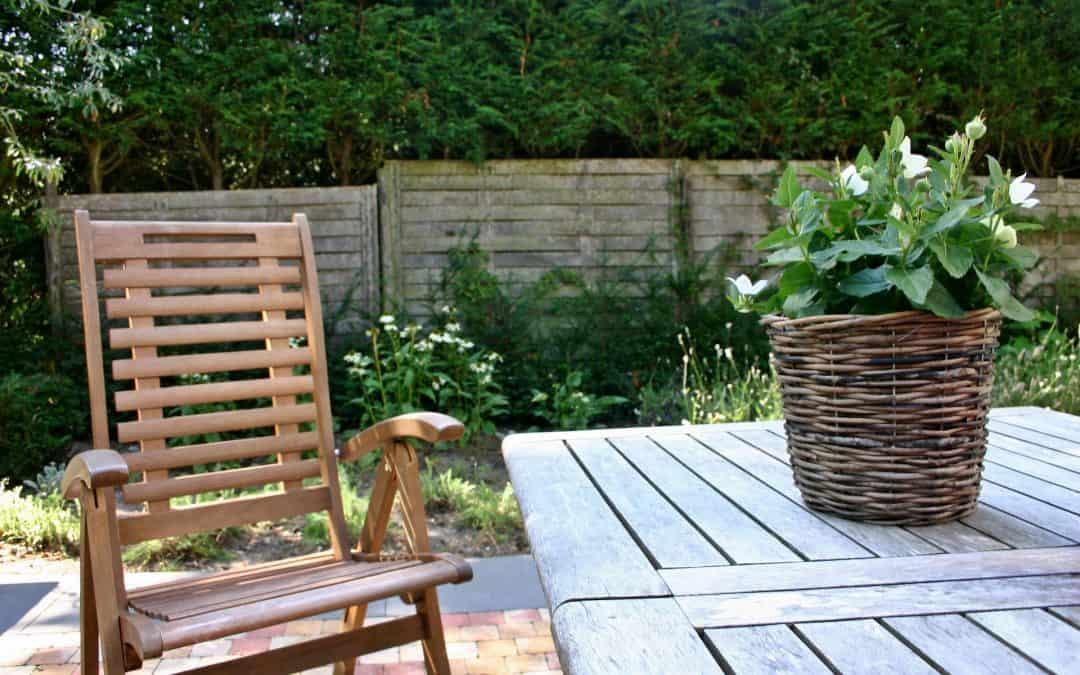 Jak zabezpieczyć drewno w ogrodzie?